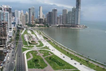 José Leonardo Chirinos: Un venezolano que se va de Panamá