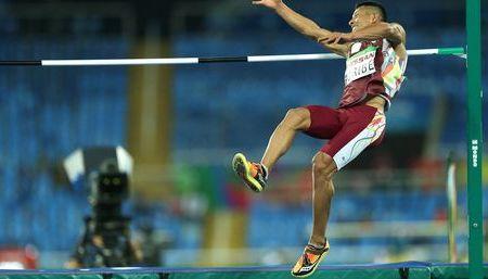 Rafael Uribe ganó medalla de bronce en salto masculino