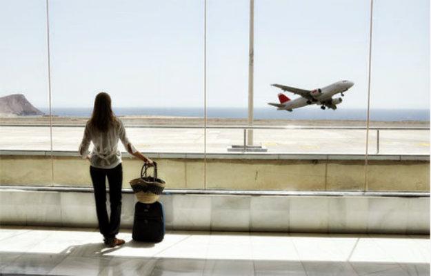 Inmigración ilegal y otras preguntas por A Plane Ticket
