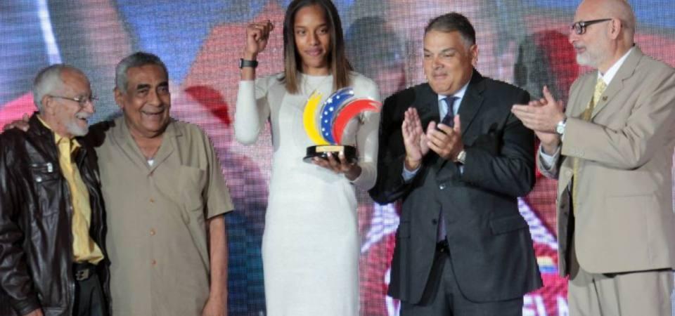 Periodistas deportivos honraron a Atletas del Año