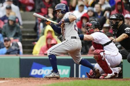José Altuve anotó la carrera del triunfo de los Astros