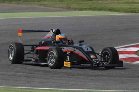 Sebastián Fernández conquistó la tercera carrera de Mugello