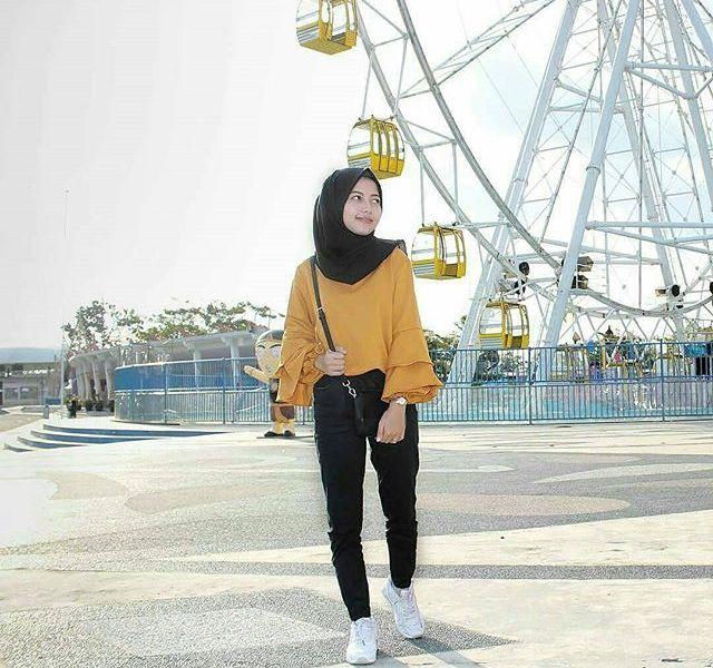 Ingin Feed Instagram Lebih Menarik Senadakan Fashion Hijab Hangout