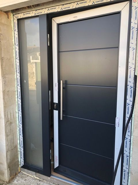 Instalación puerta entrada Artajona