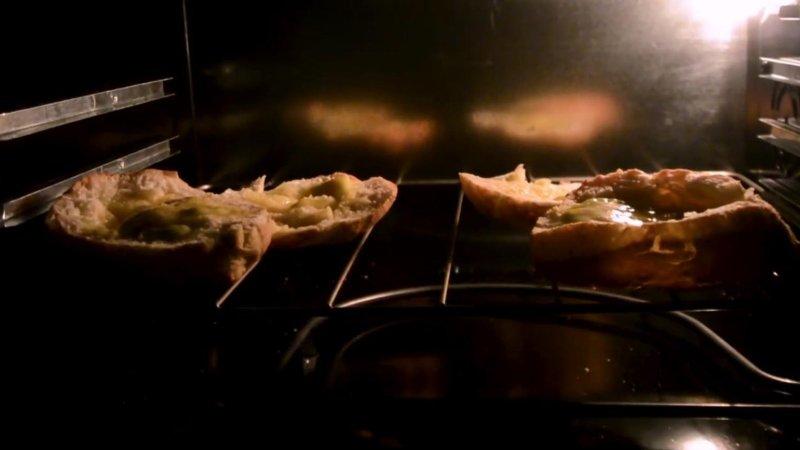 Panini burro e alici di nuovo in forno