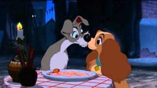 Lilli e il vagabondo mangiano gli spaghetti