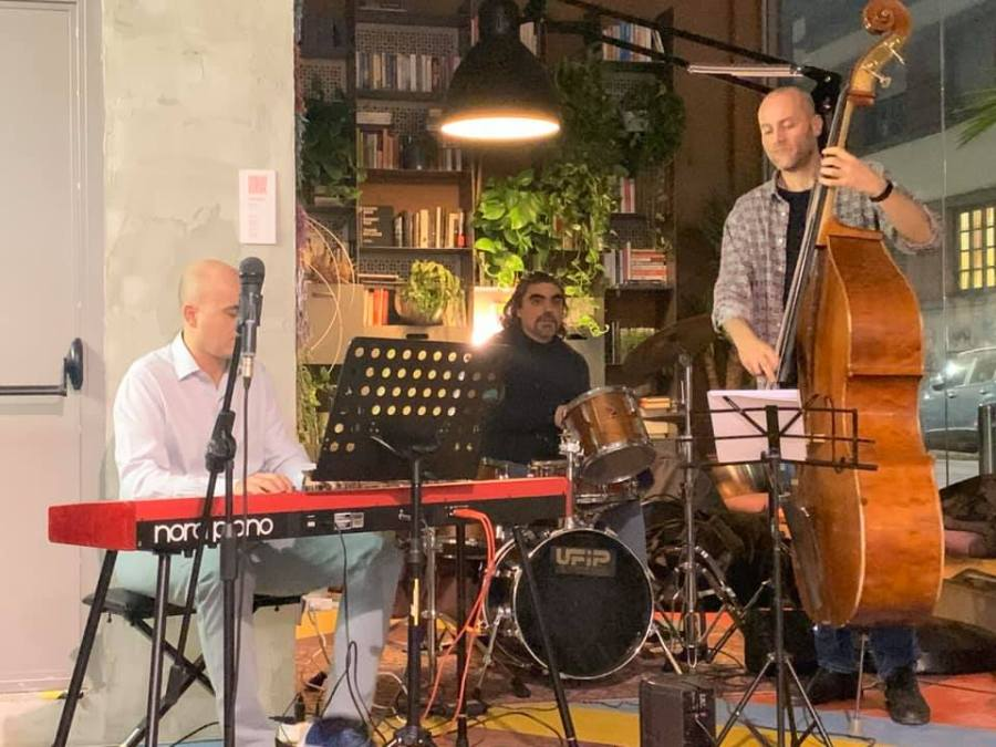 Serata di musica dal vivo in Formidabile Lambrate ( FB )