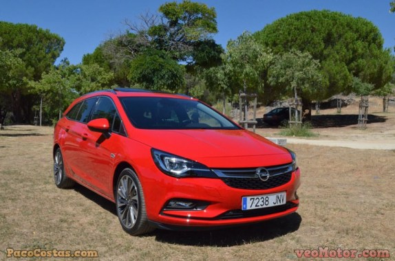 Opel Astra Sports Tourer 1.6 Turbo 200cv (43)