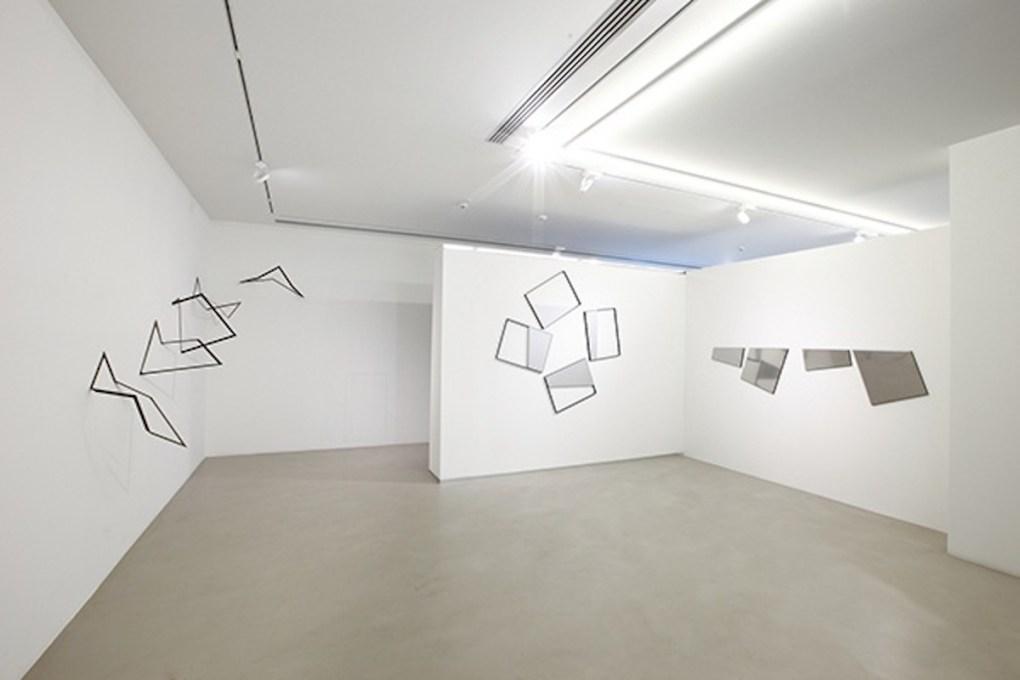 """""""Grazia Varisco. Filo Rosso 1960-2015"""", a cura di Claudio Cerritelli, 2015, Cortesi Gallery, Lugano, foto di Bruno Bani."""