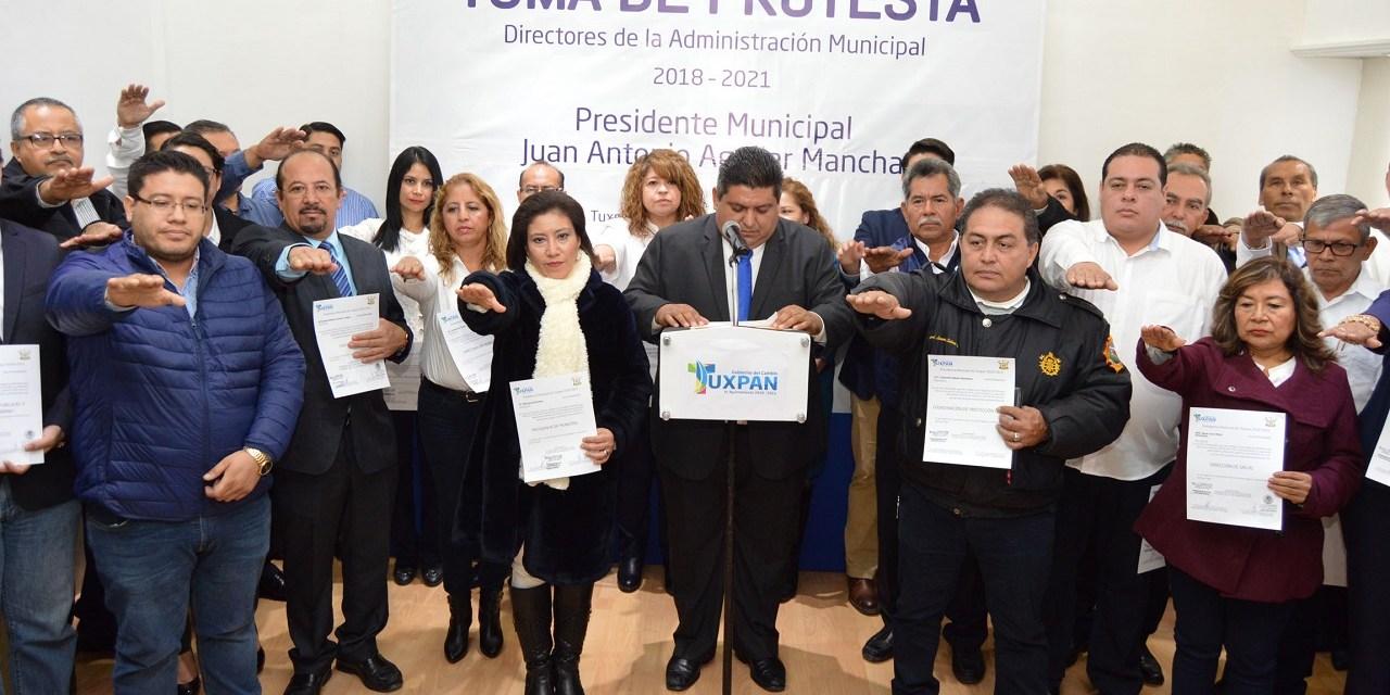 Nace en Querétaro primer ejemplar de Águila Real por inseminación artificial documentada