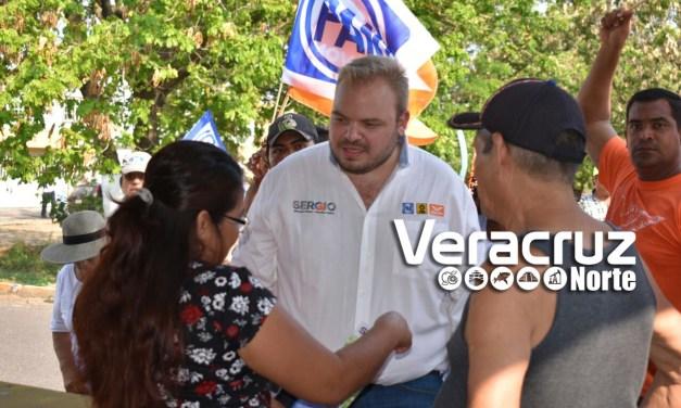 Sergio Gil Camina La Reserva, Encuentra Muchas Calles Sin Drenaje, Pavimento Y Alumbrado
