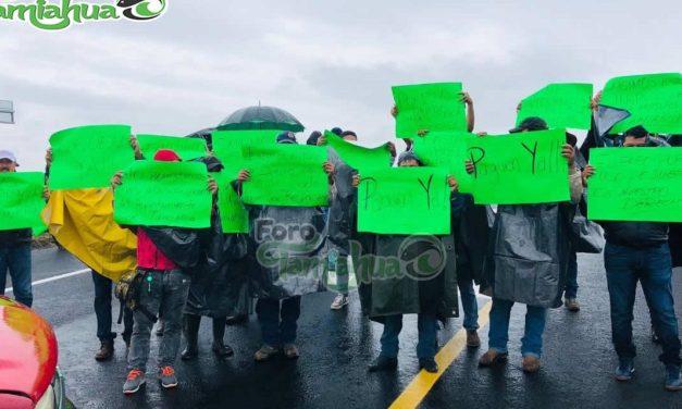Manifestación en Contra de Mota Engil por Habitantes de Tamiahua