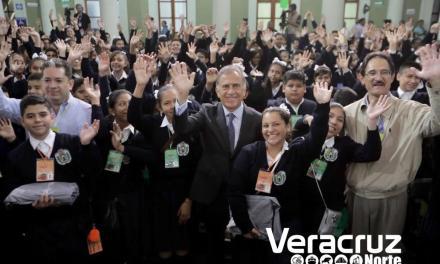Gremio de Taxistas no quieren que llegue Uber Eats a Veracruz