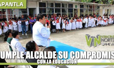 CUMPLE ALCALDE SU COMPROMISO CON LA EDUCACIÓN