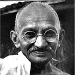 [Citation] Il n'est pas nécessaire d'éteindre la lumière de l'autre pour... (Gandhi).