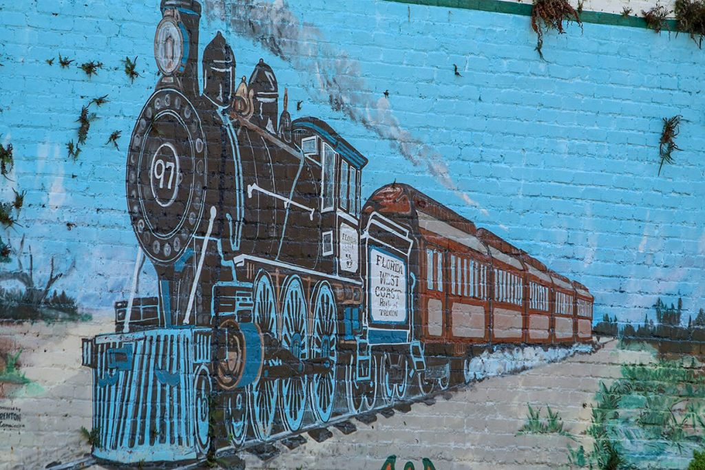 trenton florida train mural