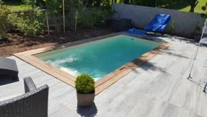 MIni piscine bois exotique et carrelage