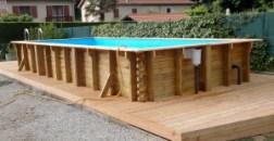 piscine rectangulaire en bois et terrasse en mélèze