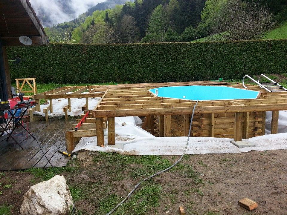 Piscine en bois octogonale allongee 2 vercors piscine - Reglementation terrasse bois ...