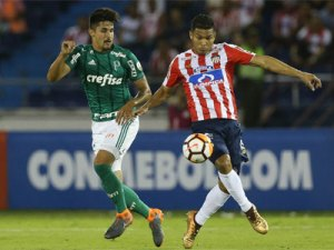 Thiago Martins enfrenta o Junior, em Barranquilla