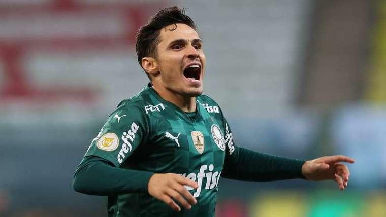 Raphael Veiga comemora o golaço contra o SCCP no Allianz Parque