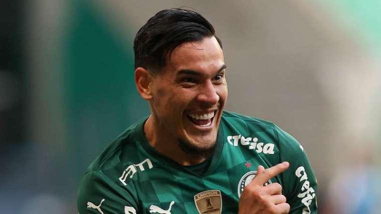 Gustavo Gómez comemora seu gol pelo Palmeiras, contra o Santos, durante partida válida pela décima primeira rodada do Brasileirão 2021, no Allianz Parque.