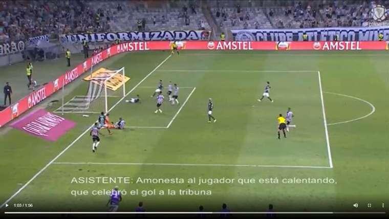 """Conmebol divulga áudios do VAR no gol do Palmeiras; """"invasão"""" de Deyverson foi analisada."""