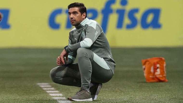 Abel Ferreira em jogo do Palmeiras contra o Sport, durante partida válida pela vigésima oitava rodada do Brasileirão 2021, no Allianz Parque.