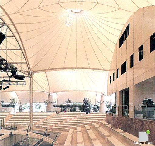 Palenque edificio de control y zona VIP