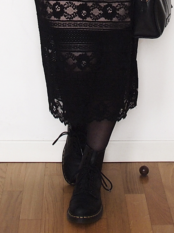 outfit-curvy-gonna-pizzo-anfibi-7