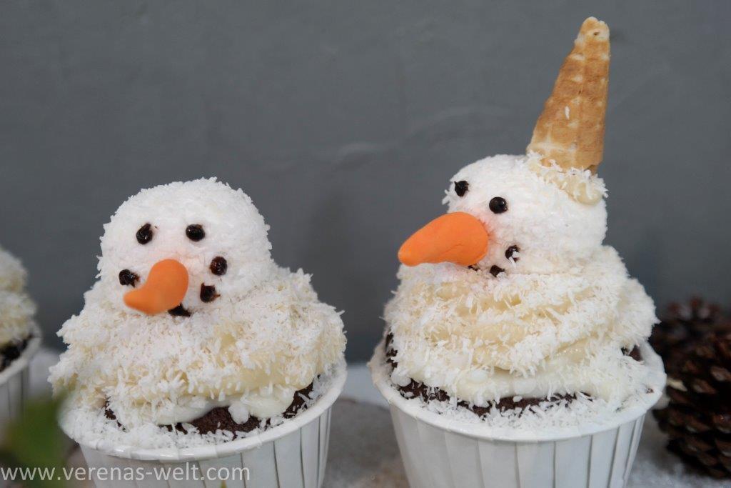 Schneemann-Cupcakes  für Weihnachten