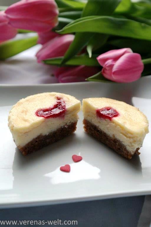 Cremige Mini-Cheesecakes zum Valentinstag
