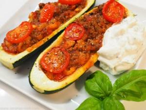 Gefüllte Zucchini a la Bolognese