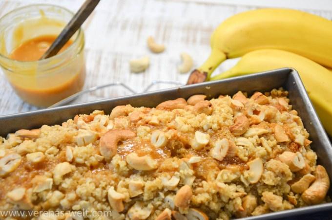 Bananabread mit Cashews und Salted Caramel Swirl
