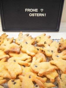 Süße Osterhäschen aus Quark-Öl-Teig