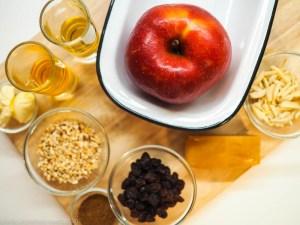 Beschwipster Bratapfel mit 43er Likör und Vanillesauce