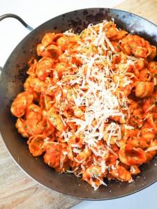 Pasta alla Vodka - Nudeln in cremiger Tomaten-Sahne-Sauce mit einem Schuss Wodka
