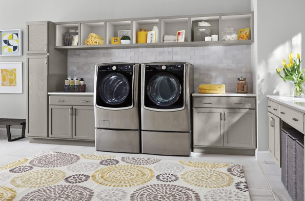 LG Front Load Washer and SideKick provides additional capacity to wash two loads at once