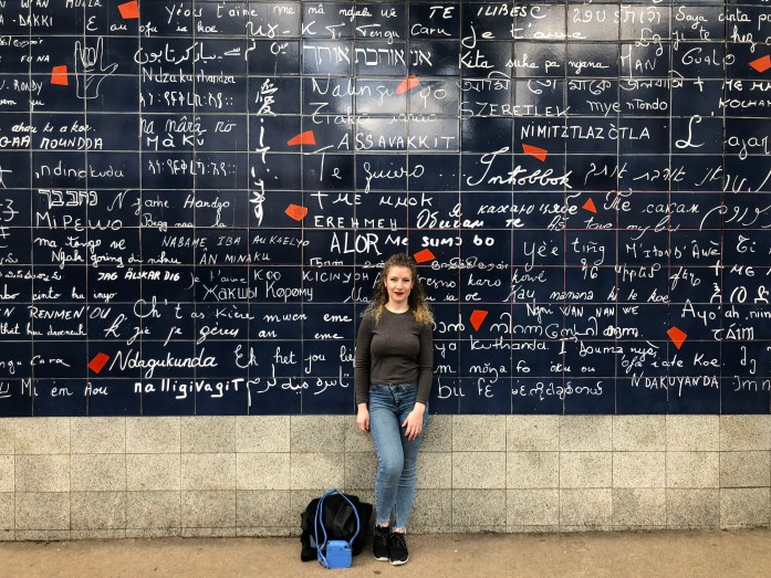 Le Mur Des Je T'aime - the I Love You Wall - Montmartre Paris - Veritru