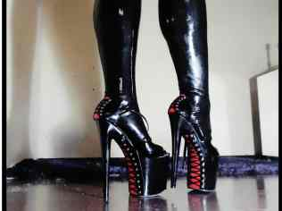 boot fetish cams