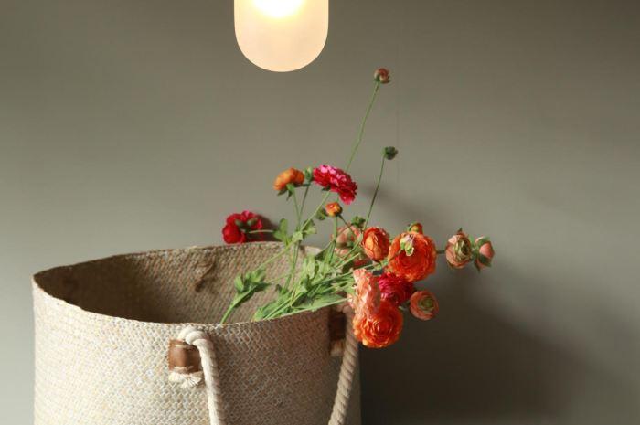 Bremen Zylinder met bloemen hanglamp boven de eettafel - Verlichting van Toen