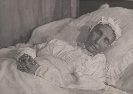 Doodsportret van keizerin Charlotte van Mexico, geboren prinses van België