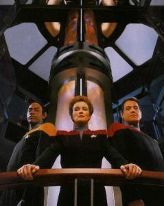Tuvok, kapitein Janeway en Chakotay
