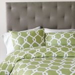 I Think We Found A Bed, NOTD and Banana Republic 25% Off Sale