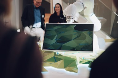 360 Grad – Thüringen Digital Entdecken, Thüringen, Erfurt, Tourist Information, Erlebnisraum , Virtuelle Thüringen-Erlebniswelt , digitaler Ausstellungsraum, Willy-Brandt-Platz