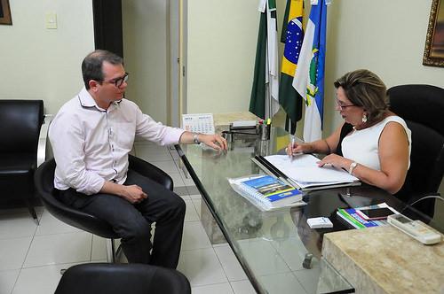 Ex-presidente da Femurn, Ivan Júnior, com a prefeita de Mossoró, Rosalba Ciarlini. Foto: Asessoria de Imprensa da Prefeitrura de Mossoró