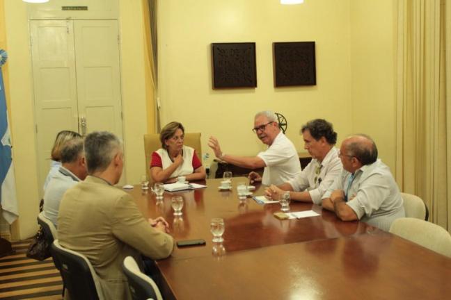Prefeita de Mossoró, Rosalba Ciarlini e o diretor superintendente do Sebrae - RM, José Ferreira de Melo Neto, discutem projetos para cidade. Foto: Renata Nolasco