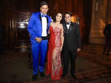 Produtora musical Darlin Ferraty, mãe Lexa, ao lado do marido, o cantor Cacau Júnior e do filho
