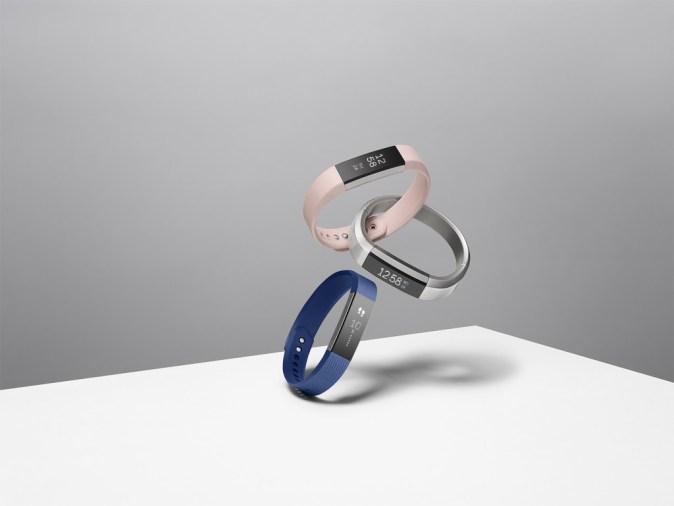 Fitbit-Alta-Family-2