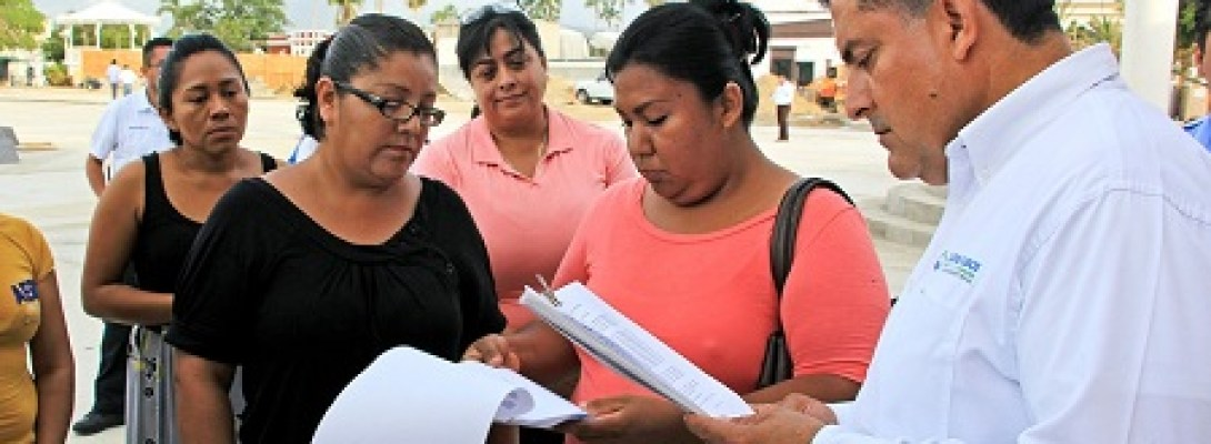 "PUNTUAL SEGUIMIENTO DE GOBIERNO MUNICIPAL A FAMILIAS DE FRACCIONAMIENTOS AFECTADOS POR ""LIDIA"""